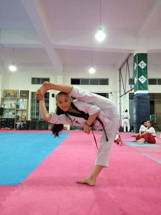 Cô gái sinh năm 2005 nằm trong tuyến vận động viên nhỏ tuổi nổi trội của Taekwondo TP.HCM, được giới chuyên môn đánh giá cao về tố chất và bản lĩnh thi đấu. Khác với cô chị Tuyết Vân nổi trội ở nội dung đồng đội, Tuyết Sang đầy mạnh mẽ và ấn tượng ở các bài biểu diễn đơn.