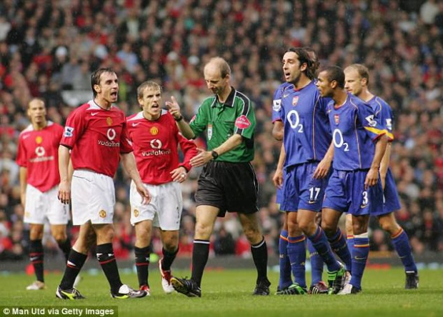 Trận đấu trên sân Old Trafford diễn ra rất căng thẳng.