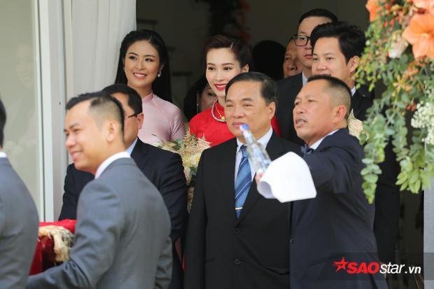 Hoa hậu Ngọc Hân chúc mừng hạnh phúc của cô em gái.