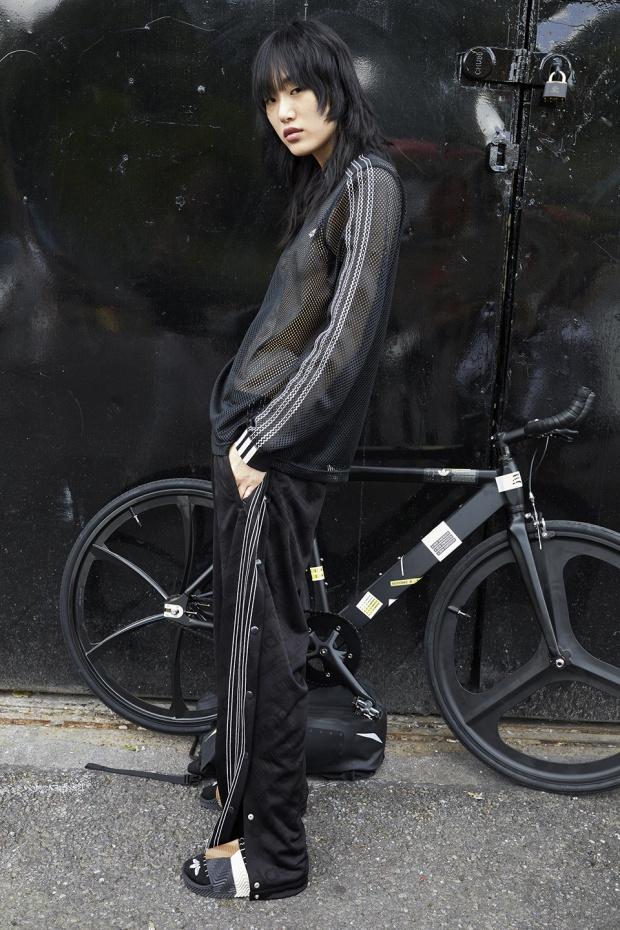 Chỉ mới nhá hàng, bộ sưu tập của Adidas  Wang đã gây xôn xao cộng đồng streetwear