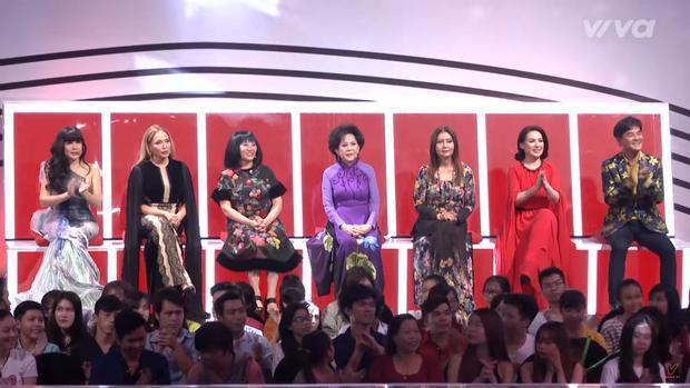 7 nghệ sĩ gạo cội: Nhật Hạ, Thanh Hà, Cẩm Vân, Giao Linh, Họa Mi, Phi Nhung, Chế Thanh.