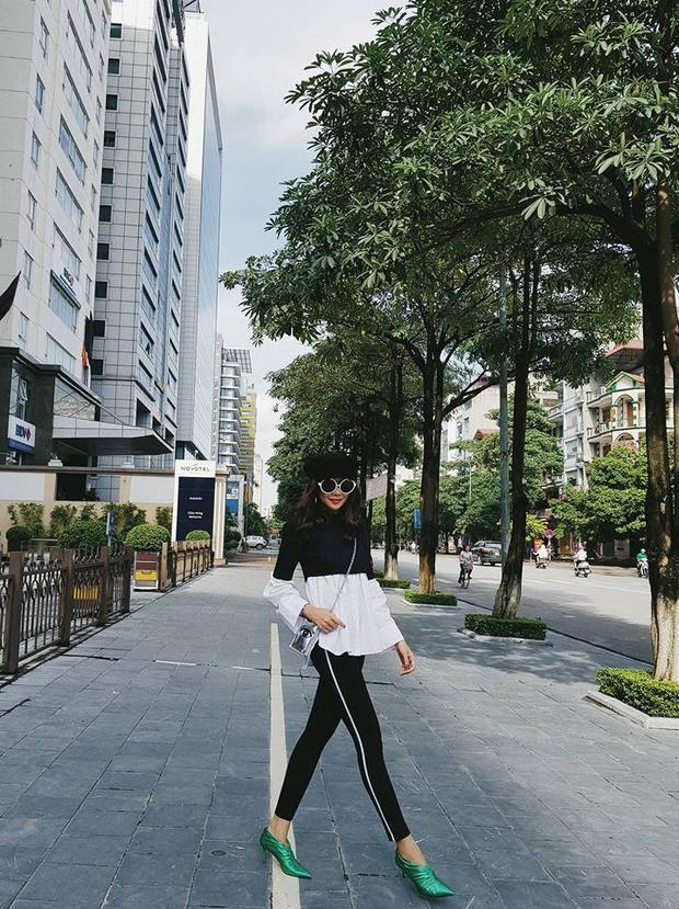 Trong chuyến đi, cựu giám khảo Next Top Model rất chịu khó chia sẻ hình ảnh thời trang dạo phố.