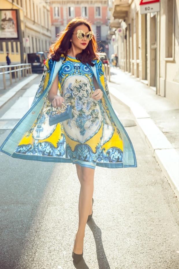 """Tham dự tuần lễ thời trang với sao Việt giờ đây đã là điều không mấy khó khăn, thế nhưng xuất hiện """"chất lừ"""" như Thanh Hằng thì không phải ai cũng làm được."""
