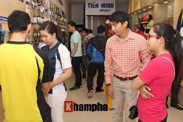 Shop đồ thể thao đông khách của tay vợt số 1 Việt Nam. Ảnh khampha.vn