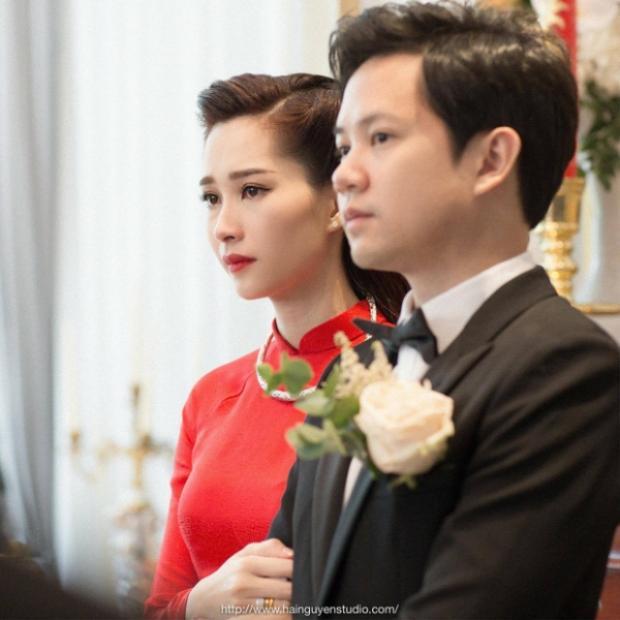 Đặng Thu Thảo rưng rưng nước mắt trong lễ cưới.