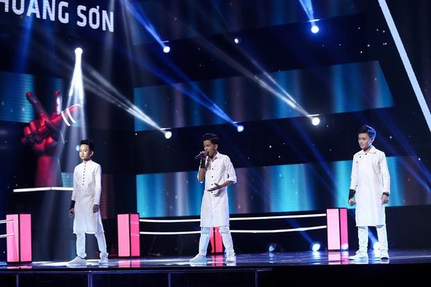 """Hữu Lâm - Huy Hoàng - Duy Khánh sẽ khiến khán giả """"đứng ngồi không yên"""" khi thể hiện ca khúc Con cò."""