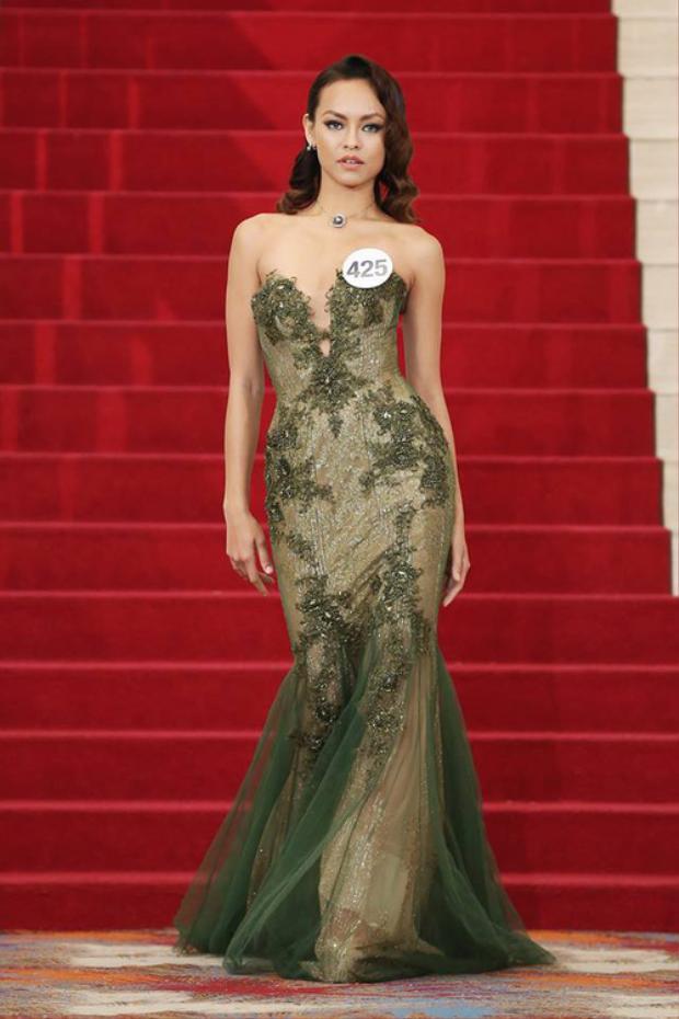 Muốn trở thành Quán quân Hoa hậu, Mai Ngô khiến Võ Hoàng Yến bật cười trên ghế nóng