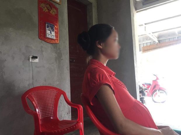 Q. buồn bã cho biết bản thân chưa sẵn sàng làm mẹ và muốn được đi học.