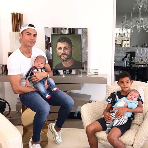 Khám phá siêu biệt thự xa hoa của Cristiano Ronaldo