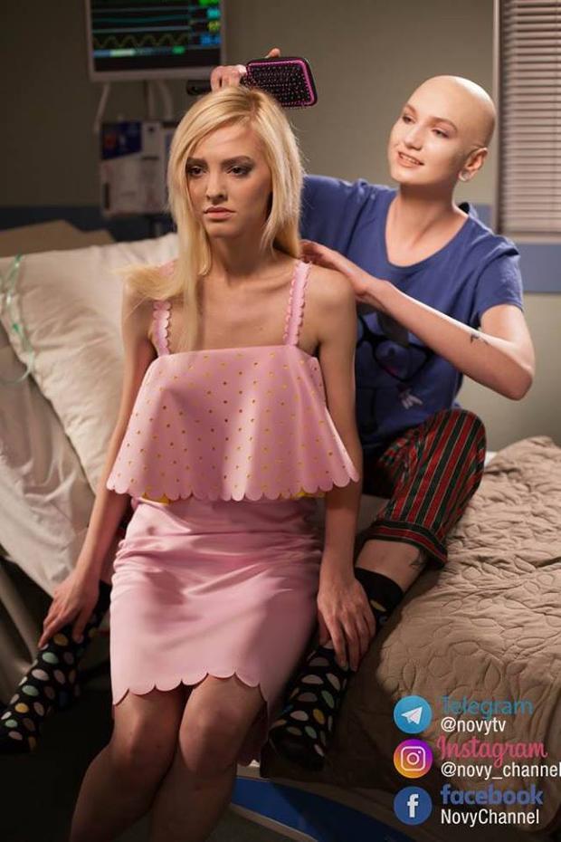 Những bệnh nhân ung thư, ai cũng có ước mơ giản dị là được chải tóc hàng ngày như thế này.