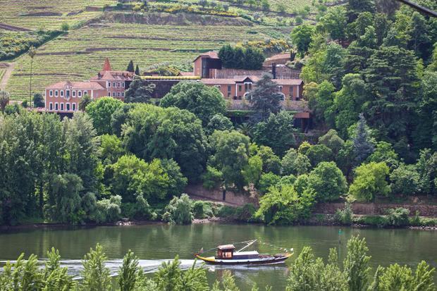 Quan cảnh xinh đẹp của một trong những thung lũng nằm ở ngoại ô Bồ Đào Nha.