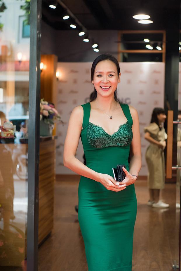Dù đã ở tuổi 40, cựu siêu mẫu Bảo Ngọc vẫn trẻ trung, quyến rũ.