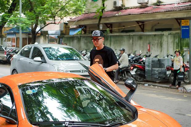 Chồng Ngọc Thạch sở hữu rất nhiều siêu xe đắt tiền.