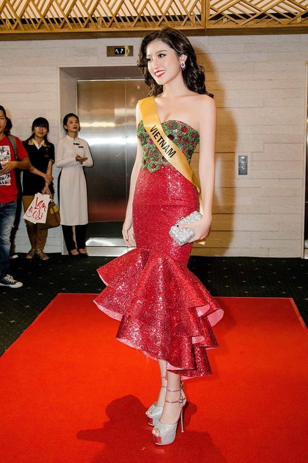 Á hậu Huyền My diện bộ đầm cúp ngực đính sequin nổi bật tại sự kiện.