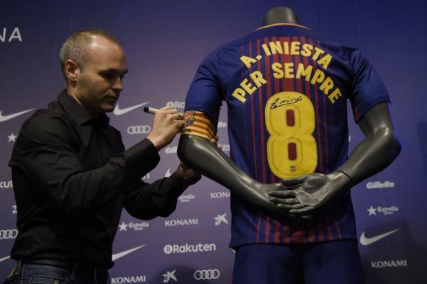 Messi sẽ nối bước Andres Iniesta ký hợp đồng trọn đời với Barcelona?