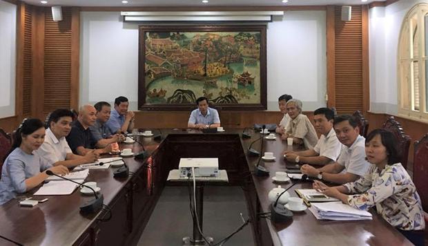 Buổi làm việc giữa Bộ trưởng Nguyễn Ngọc Thiện và các bên liên quan. Ảnh: VH.