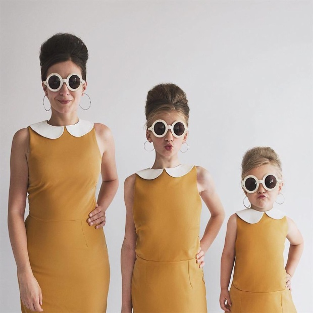 Bộ ảnh 3 mẹ con khiến dân mạng thèm thuồng: Ước gì sinh nhiều con để chơi trò diện đồ theo hội