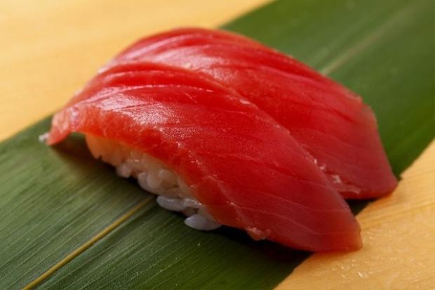 Maguro sushi.