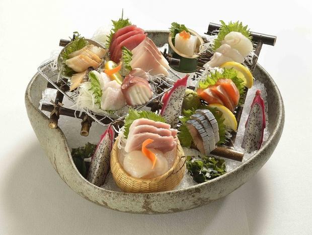 Hải sản: Nếu bạn may mắn sống gần biển, bạn phải tận dụng ngay lợi thế này. Hải sản tươi sống chứa chất béo không bão hoà, giúp bạn tránh được sự tích tụ thêm chất béo trên người. Thêm vào đó, hải sản là còn là một nguồn cung cấp omega-3 rất lớn.