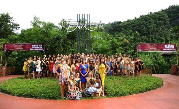 Á hậu Huyền My cùng dàn người đẹp Miss Grand International 2017 hào hứng khám phá động Thiên Đường
