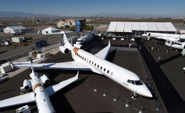 Đáng tiếc những ai mong muốn được chạm tay vào chiếc máy bay này sẽ phải chờ đến năm 2021.