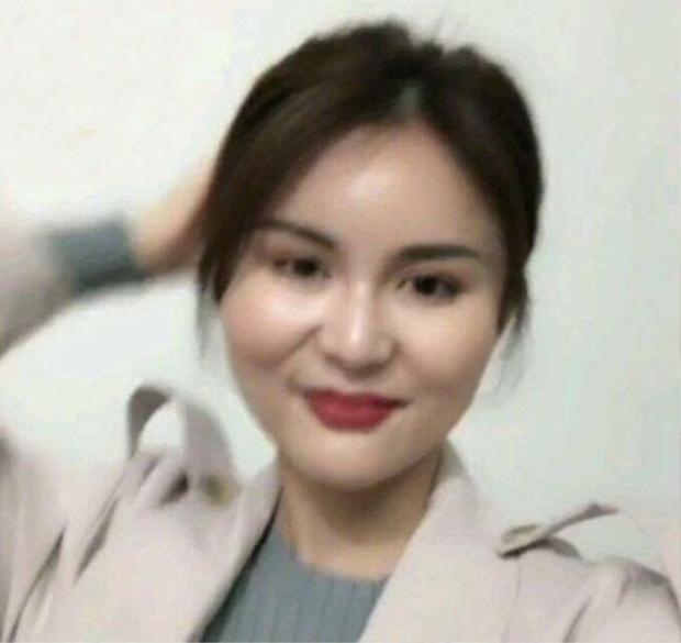 Chỉ một lần lỡ livestream, hot girl mất fans vì gương mặt thật