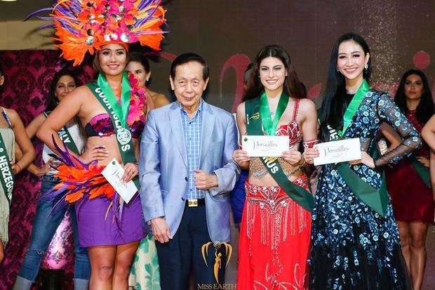 """Thành tích này cũng được xem là """"khúc dạo đầu"""" ngọt ngào cho Hà Thu, giúp đại diện Việt Nam có thêm động lực và cố gắng gặt hái thêm thành tích trước khi bước vào đêm thi Chung kết."""