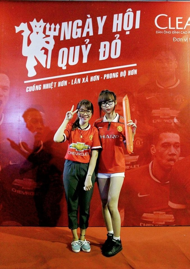 Tường Vy tại Ngày Hội Quỷ Đỏ của các fan Man United ở Việt Nam.