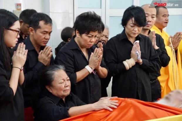 Trong suốt cuộc đời thầy Cương, bà là người gắn bó sâu đậm nhất với cuộc hôn nhân kéo dài tới 56 năm.