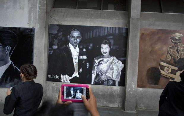 Một năm ngày mất Quốc vương Thái Lan: Nỗi đau còn mãi với người ở lại