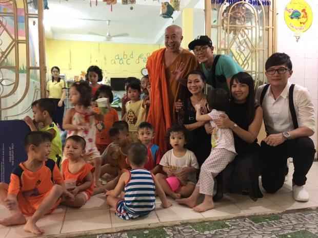 Ngọc Huyền chia sẻ quỹ do nhóm từ thiện của chị quyên góp vẫn còn dư, chính vì vậy chị sẽ tìm thêm một số địa điểm khó khăn khác ở TP.HCM để giúp đỡ.