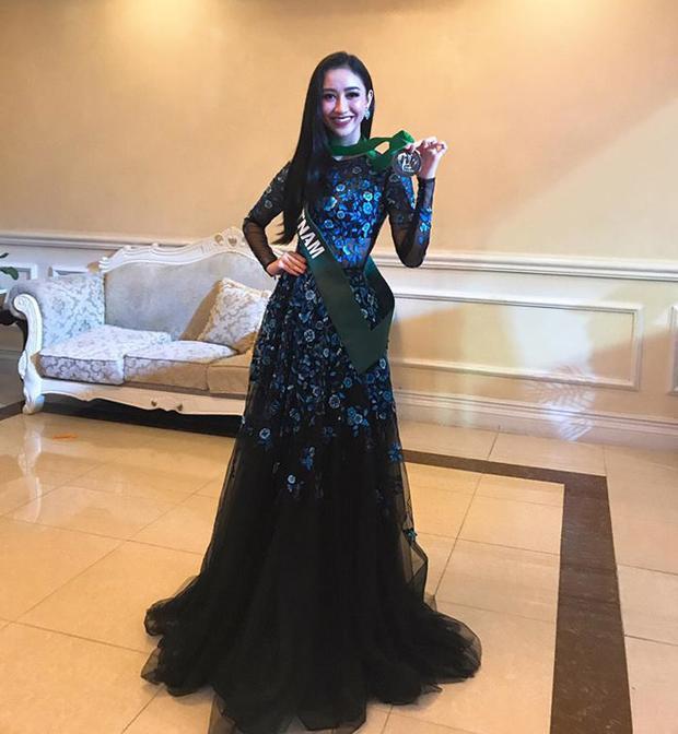 Với phần trình diễn khá tốt của mình, Hà Thu đã giành được giải Đồng phần thi Tài Năng, nằm trong top 10 thí sinh được yêu thích nhất tại Miss Earth 2017.