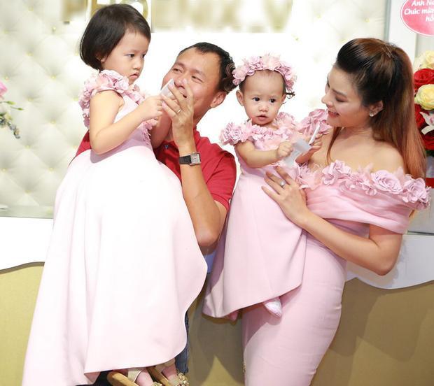 Gia đình hạnh phúc của cựu người mẫu/diễn viên gốc Nam Định.