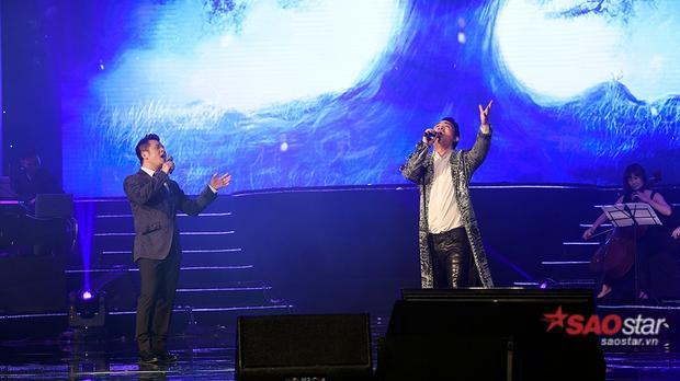Tùng Dương và Bằng Kiều khiến khán giả vỗ tay không ngớt với phần song ca ca khúc Mẹ Tôi.