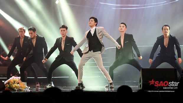Noo Phước Thịnh khoe vũ đạo qua ca khúc sôi động Cuz I Love You.