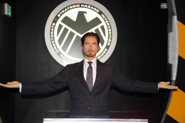 Tượng Tony Stark ở Hollywood, Mỹ.22