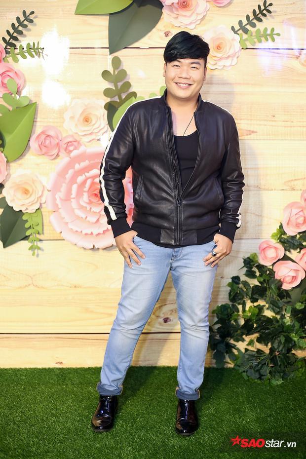 Là ca sĩ trình diễn trong sự kiện, ca/nhạc sĩHamlet Trươngmang đến nhiều ca khúc gắn liền với tên tuổi của anh.