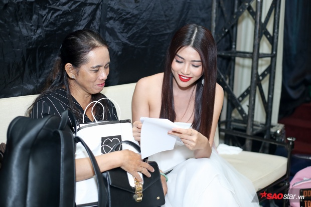 Với khả năng hoạt ngôn và sự lém lỉnh, Quỳnh Châu nhận được nhiều lời khen từ các vị khách mời sau chương trình.