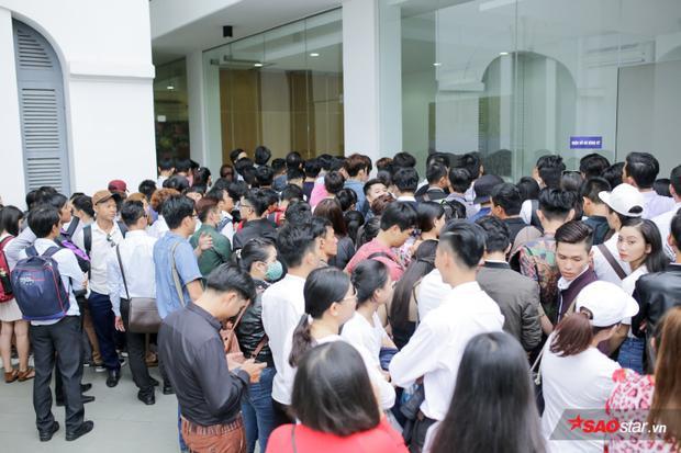 Quang cảnh vòng sơ tuyển tại TP.HCM thu hút đông đúc thí sinh đến tham gia.