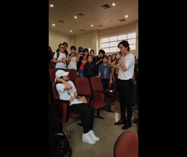Lý Phương Châu nói gì khi bất ngờ được Hiền Sến tỏ tình trước hàng trăm sinh viên?