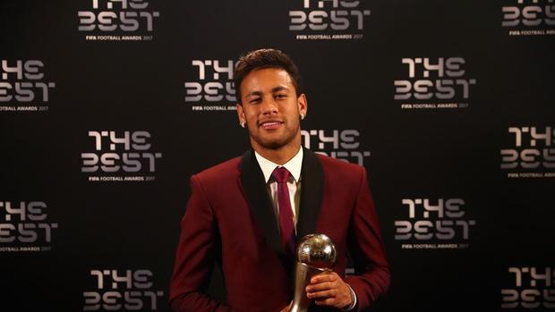 Neymar có số phiếu bầu thấp hơn hẳn Messi và CR7.