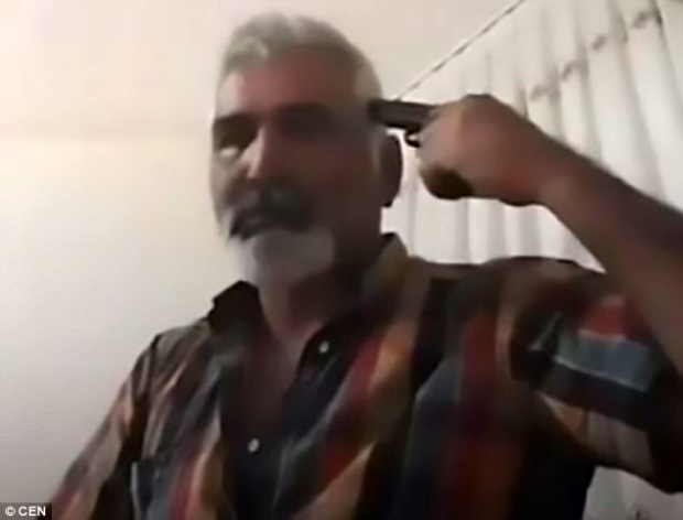 Kinh hoàng: Biết con gái kết hôn mà không có sự đồng ý của mình, người cha livestream tự tử