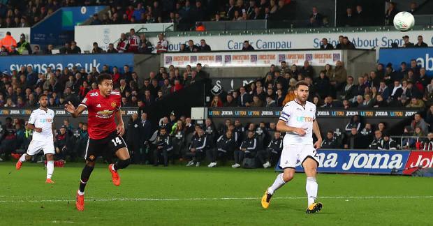 Jesse Lingaard đánh đầu ghi bàn thứ 2.
