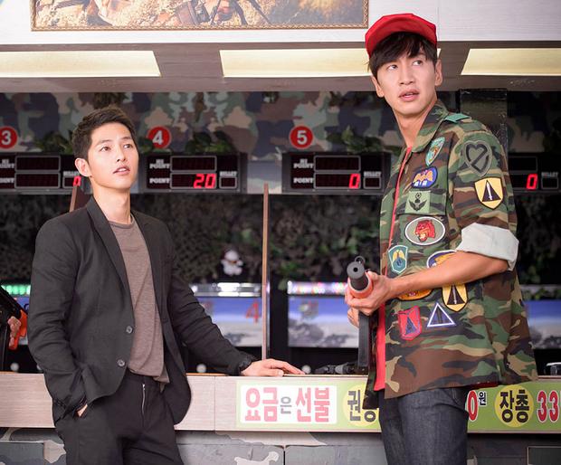 Lee Kwang Soo có đủ sự hài hước, duyên dáng và thân tình để đảm nhiệm vị trí MC quan trọng.