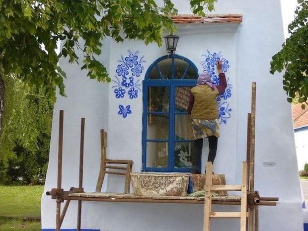 Cụ bà 90 tuổi ở Cộng hòa Séc biến cả ngôi làng thành tác phẩm nghệ thuật