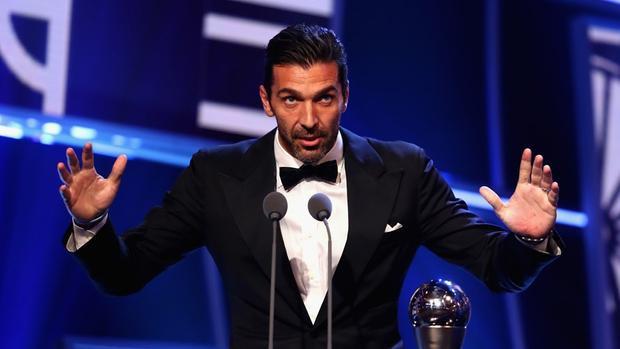 Khát vọng vô địch Champions League nay vẫn đè nặng trên đôi vai Buffon.