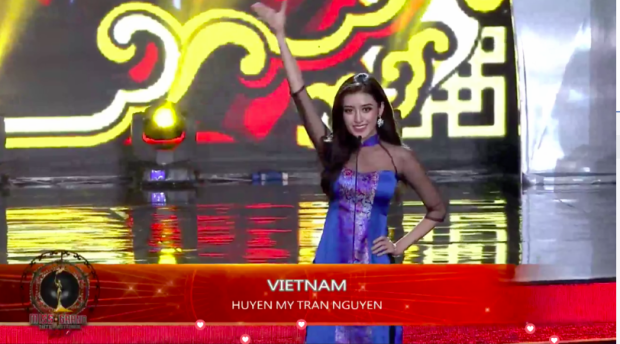 Huyền My hô vang 'Việt Nam' đầy tự hào trên sân khấu chung kết Miss Grand International 2017