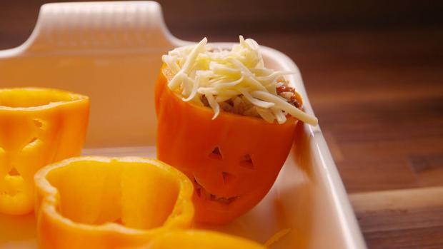 Món ngon Halloween: Công thức biến ớt chuông thành món ngon độc đáo