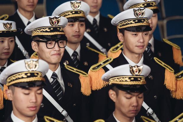 Park Seo Joon cảm thấy có lỗi khi nhận giải Best New Actor tại Daejong Film Awards lần thứ 54
