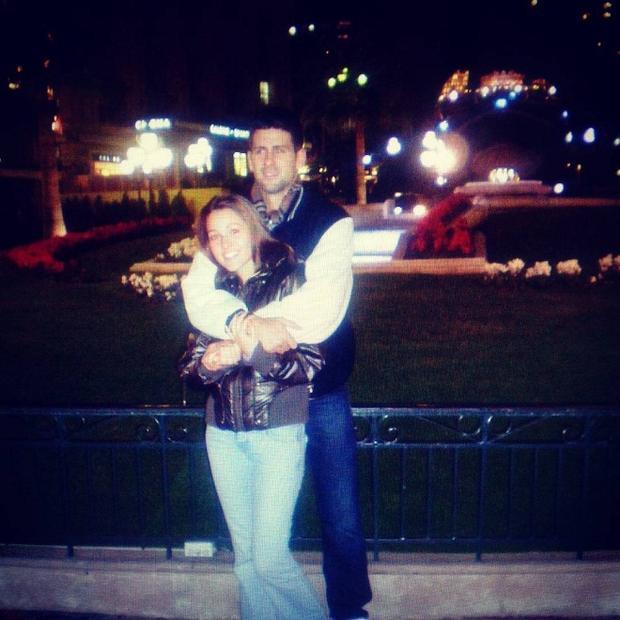 Djokovic thể hiện tình cảm với tấm ảnh cũ trong ngày kỷ niệm 12 năm yêu Jelena